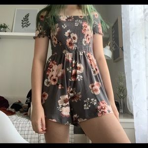 Grey flower dress with shorts